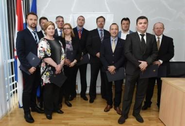 Ministar Varga nagradio najvrednije hrvatske liječnike