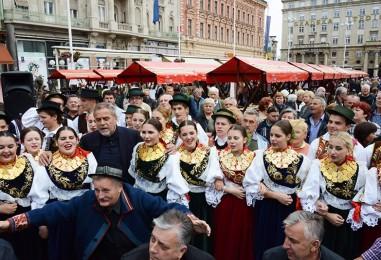Glavni zagrebački trg u bojama i mirisima Slavonije