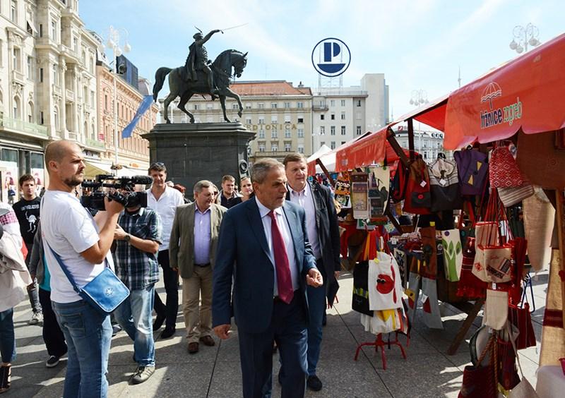 Proizvođači suvenira grada Zagreba (Milan Bandić Trg) (2)