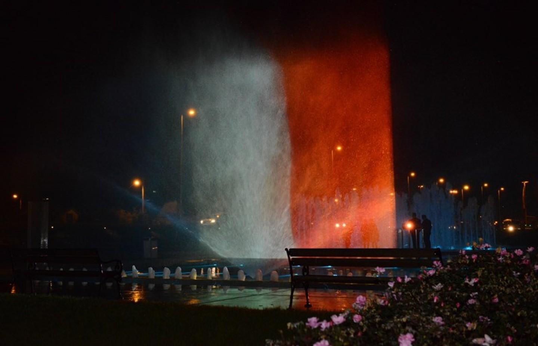 Građani Zagreba odali počast pariškim žrtvama
