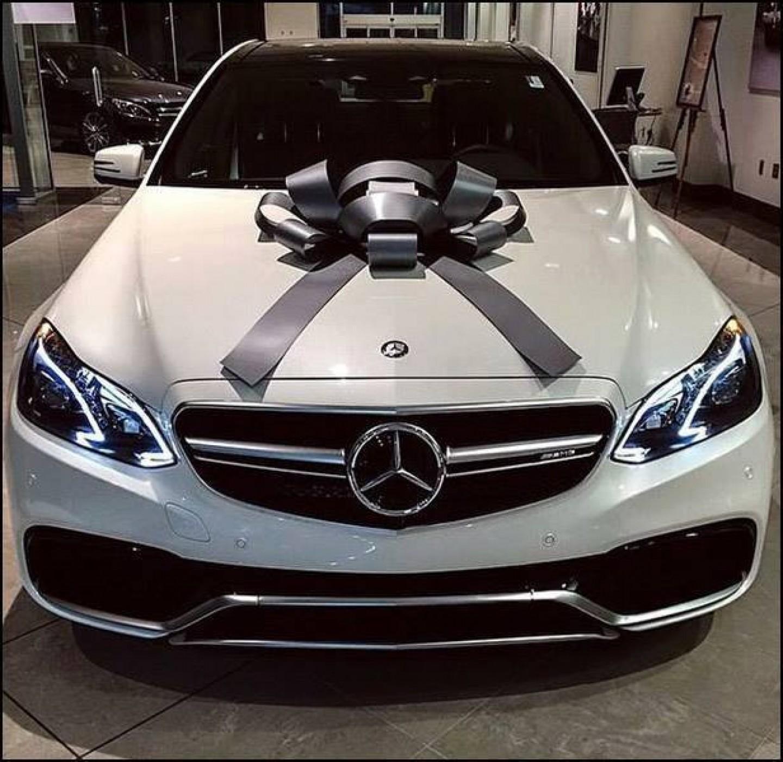 Facebook prevare: Nećete dobiti Mercedes