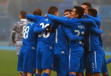 Dinamo pobjedom nad najvećim rivalom preuzeo vrh HNL-a