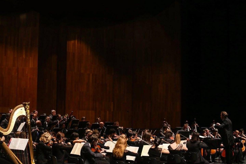 Zagrebačka filharmonija održala novogodišnji koncert u Mozartovom gradu