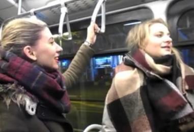 """Akademski zbor FFZG """"Concordia discors"""" zapjevao u tramvaju"""