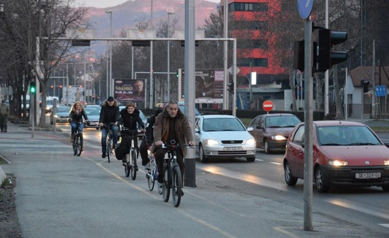 Milan Bandić na biciklu