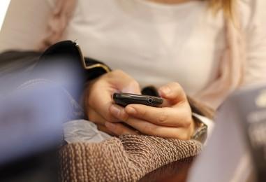 Pisanje poruka na mobitel može biti štetno za vaše zdravlje
