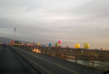 Zašto su baloni na Mostu slobode