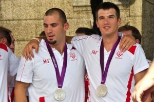 Martin-i-Valent-Sinkovic-Olimpijske-medalje-Zagreb-13082012-4-roberta-f