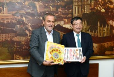 Posjet izaslanstva grada Pekinga gradonačelniku Bandiću