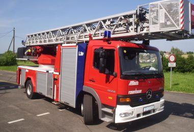 Predaja vatrogasnih vozila
