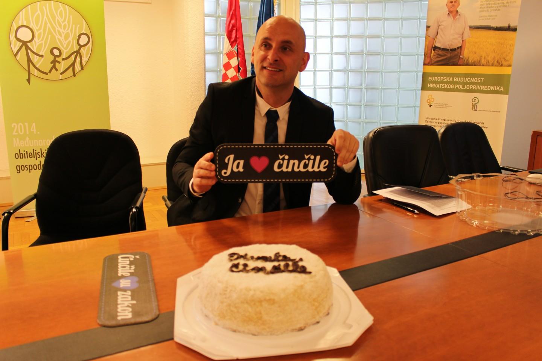 Veganska torta predana ministru poljoprivrede