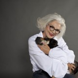 Apel 60-godišnje manekenke i napuštenih pasa