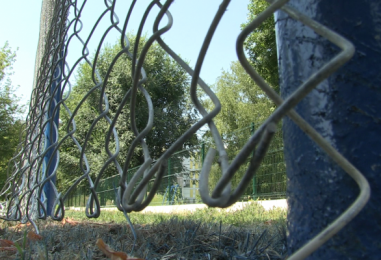 Postavljena zaštitna ograda na nogometnom igralištu u Pičmanovoj 16