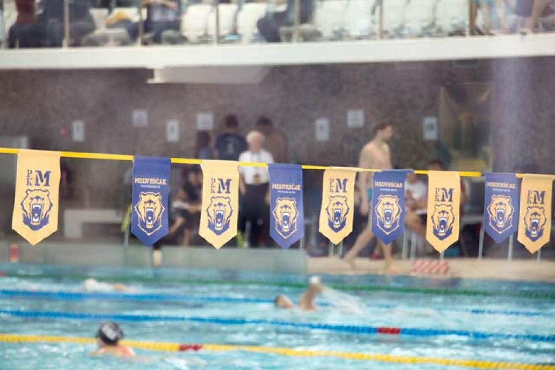 Plivačke zvijezde na Sveticama