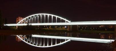Hendrixov most zabljesnuo iznad Save