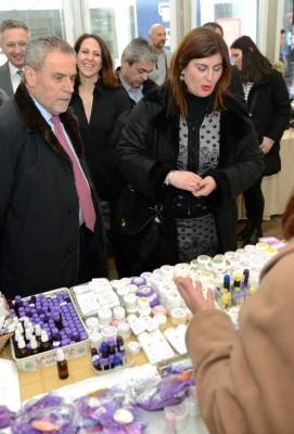 Vina, rakije, maslinova ulja, sirevi, te drugi hrvatski otočni proizvodi na Trgu