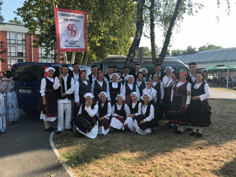 KUD Dangubice iz Kutereva večeras će pokazati pjesme i plesove svoga kraja na Međunarodnoj smotri folklora u Zagrebu!