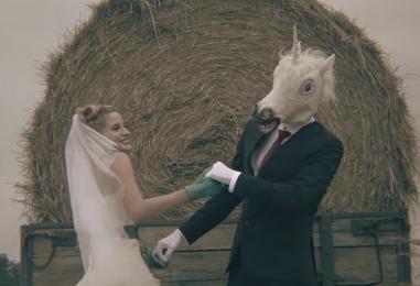 "Zagrebačka pjevačica Geby predstavlja singl i spot ""Povedi nas u smijeh"""