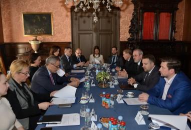 Bandić ugostio gradonačelnika Sarajeva, on se zahvalio za besplatna ljetovanja djece iz BiH