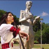 TESLINA POLJA Nikola Tesla i prekrasni krajolik Like u novom spotu Ane Rucner!