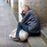Zašto nas plaše Živim zidom? Pa nisu oni U GROB I IZVAN ZEMLJE OTJERALI na tisuće ovršenih Hrvata!