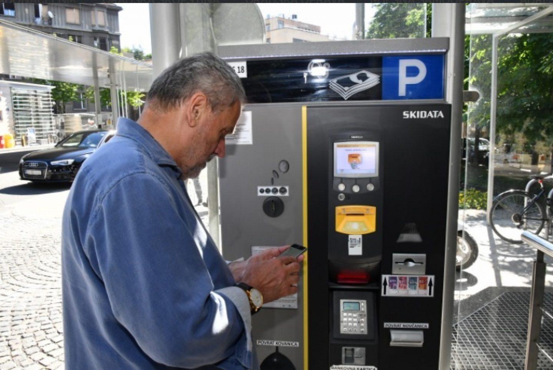 STOTINU NOVIH APARATA: Parkiranje u Zagrebu će se moći plaćati i karticama, karte su elektroničke