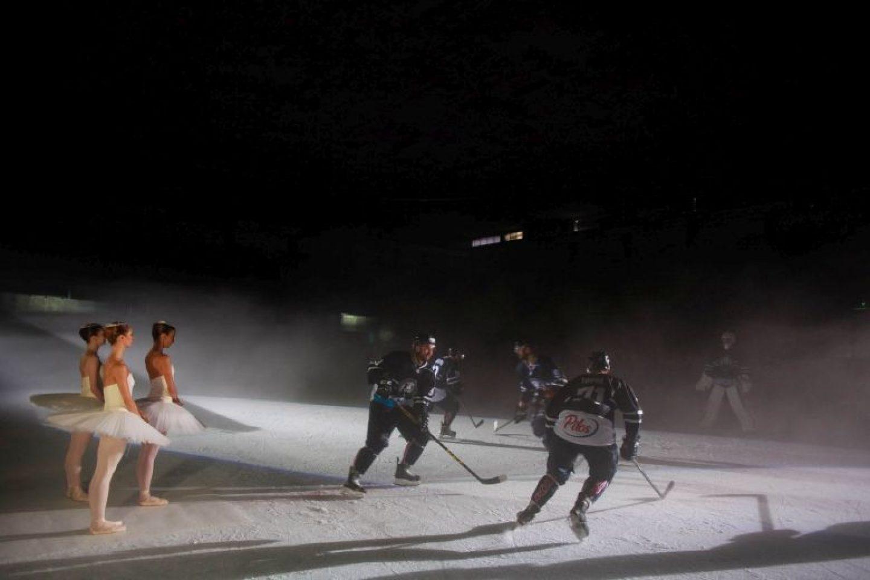 VIDEO: Zamijenili uloge kako bi gledateljima približili i balet i hokej