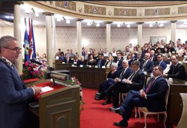 Bandića naljutili HDZ-ovi vijećnici, prijeti RASKIDOM KOALICIJE s PLENKOVIĆEM?!
