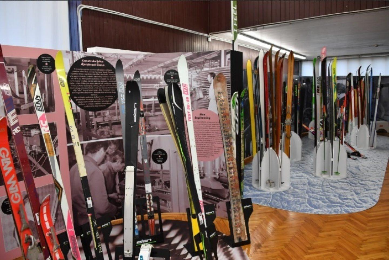 Bojan Križaj na otvaranju izložbu skija ELANA u Tehničkom muzeju