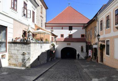 Završena obnova Kamenite ulice i Kamenitih vrata, Grad obrtnicima nadoknađuje manjak prometa