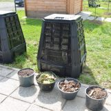 Grad BESPLATNO DOSTAVLJA KOMPOSTERE svima koji žele kod kuće kompostirati otpad