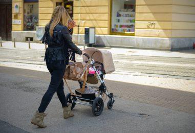 Započela ISPLATA novčane pomoći Grada Zagreba ZA BEBE, za treće dijete 54.000 kuna