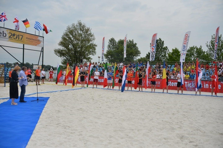 Čak 64 europske reprezentacije NA JARUNU se bore se za titulu u rukometu na pijesku