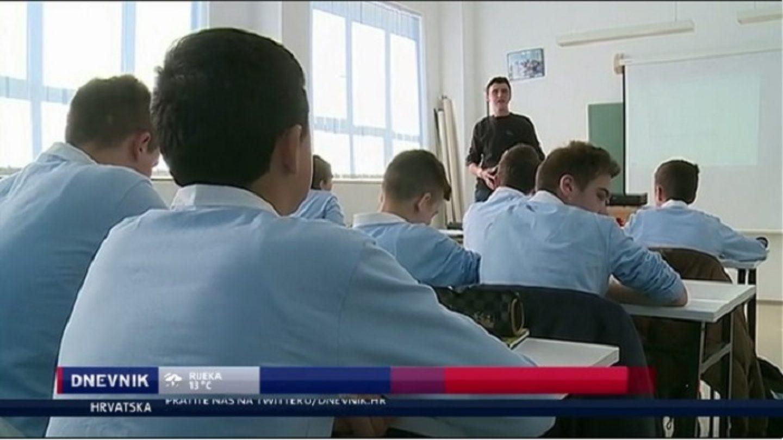 Zagrebački učenici dobili skupe uniforme, no NE MORAJU IH NOSITI, ako im se ne sviđaju!