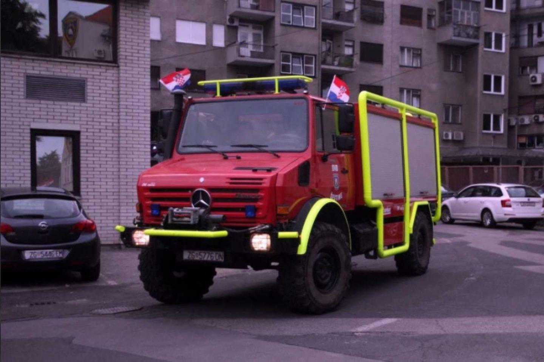 Zagrebački vatrogasci vraćali se DOBROVOLJNO S GODIŠNJEG, da bi otišli gasiti u Dalmaciju