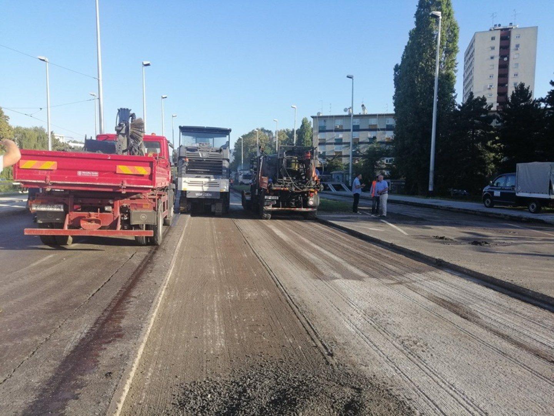 Radovi na obnovi istočnog kolnika Držićeve izazvali velike gužve