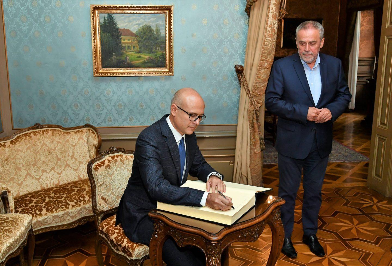 Susret gradonačelnika Zagreba i Novog Sada u palači Dverce