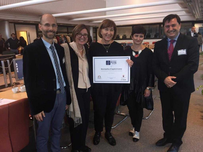 Zagreb u Bruxellesu dobio priznanje kao Grad prijatelj velikih obitelji