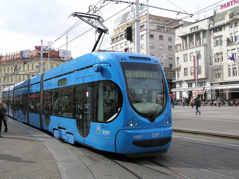 Umirovljenicima grada Zagreba i dalje besplatan prijevoz ZET-om