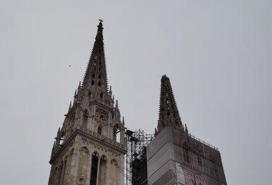 TEŽAK 30 TONA Opasni toranj zagrebačke katedrale uklanja se dinamitom