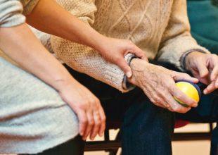 Zagreb: Od ponedjeljka dozvoljeni posjeti korisnicima domova za starije
