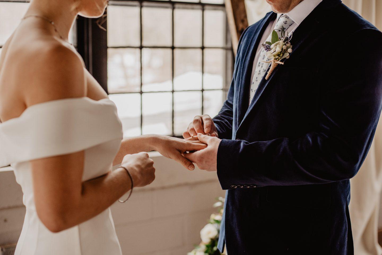 Božinović najavio pod kojim uvjetima će se održavati vjenčanja i pogrebi