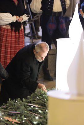Paljenje prve adventske svijeće na Trgu bana Josipa Jelačića