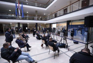 Grad Zagreb uvodi masovno brzo testiranje građana u gradskim četvrtima te druge nove mjere